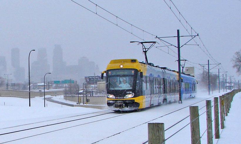 Hiawatha-light-rail-in-snow