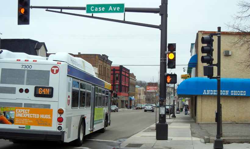 Metro-Transt-bus-64-onSaint-Pauls-East-Side