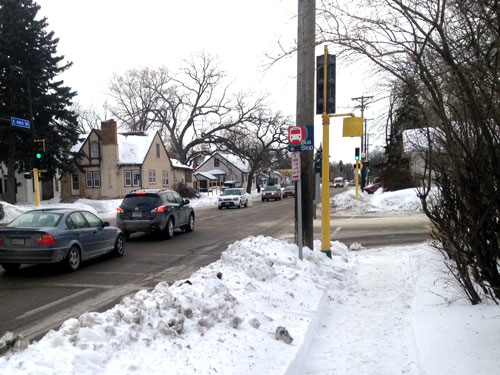 snowy-bus-stop-at-park-and-46th-in-south-minneapolis