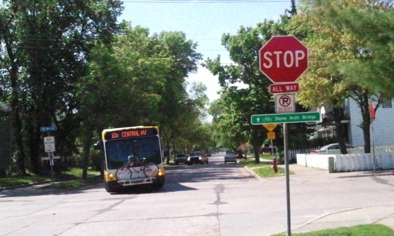 Metro-Transit-bus-route-ten